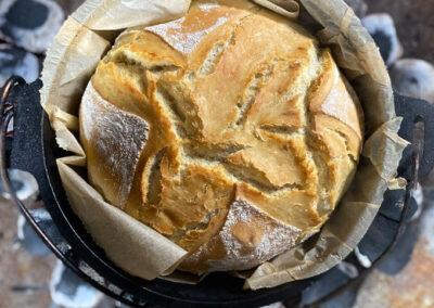 Brot mit nur 4 Zutaten aus dem Dutch Oven – ganz einfach – das kann jeder