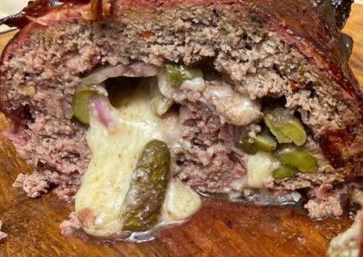 Cheeseburger Bacon Bomb – das ist eine richtig leckere Alternative zur klassischen Bacon Bomb